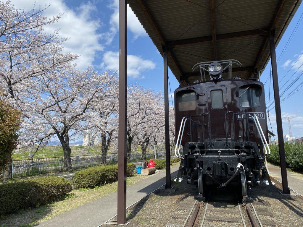 新幹線公園の展示車両 電気機関車EF15・EF120号機