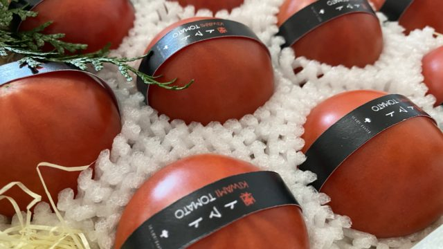 丸留果物店のトマト中身
