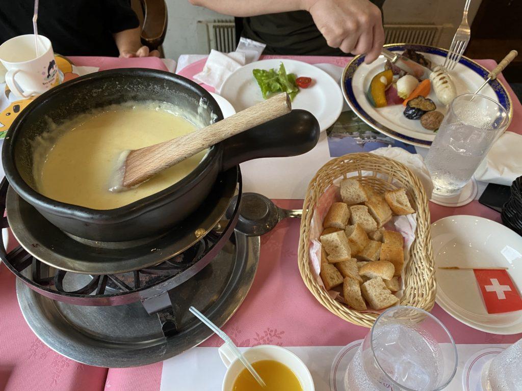六甲山QBBチーズ館|チーズフォンデュ